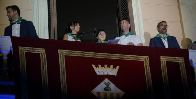 Mirna Lacambra aquesta nit al balcó de l'Ajuntament | Roger Benet