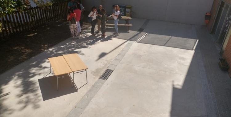 Un dels espais millorats del pati de l'escola Alcalde Marcet | Pere Gallifa