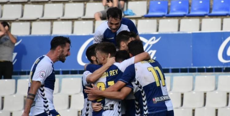 Celebració arlequinada del gol d'Óscar Rubio | Críspulo Díaz