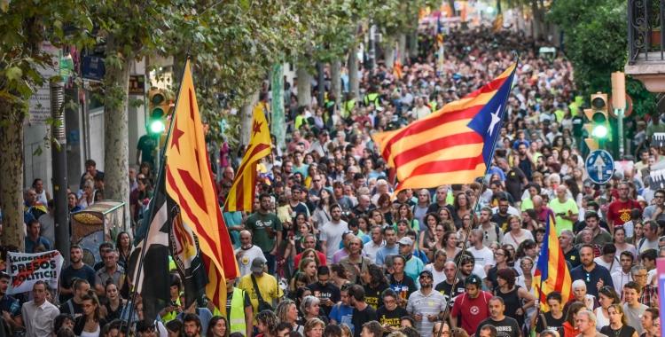 Unes 12.000 persones es manifesten a Sabadell en suport als CDR empresonats   Roger Benet