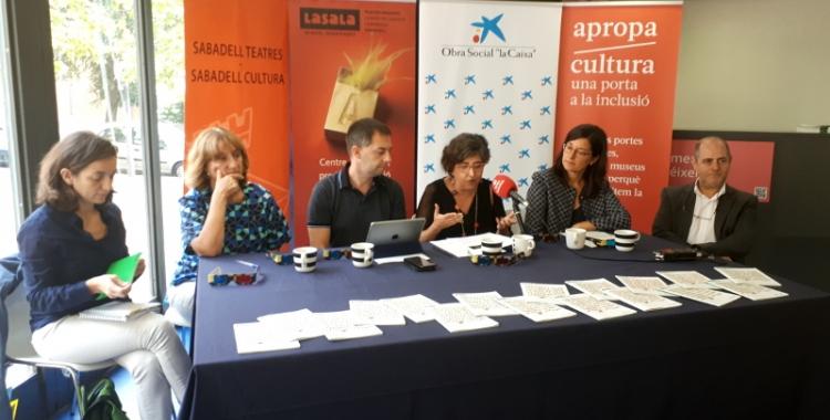 Els responsables de LaSala, en roda de premsa/ Karen Madrid