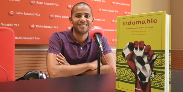 Alberto Edjogo avui als estudis de Ràdio Sabadell | Adrián Arroyo