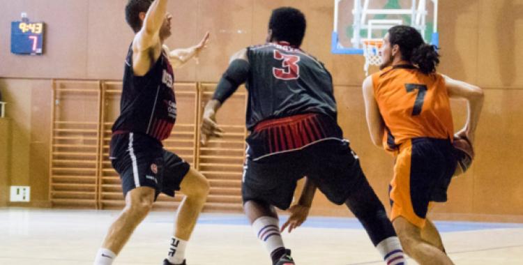 El Bàsquet Pia encara no ha aconseguit guanyar cap partit com a local | Txell Doménech
