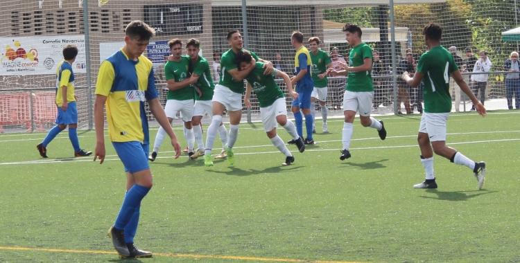 La Jonquera celebra un dels gols anotats ahir a Ca n'Oriac   Adrián Arroyo