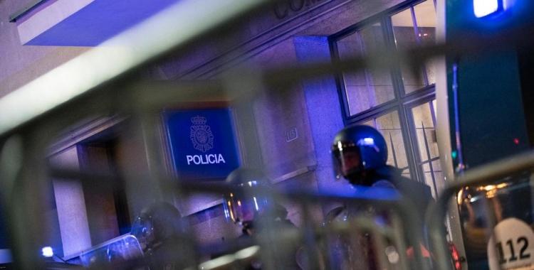 La Fiscalia demana l'ingrés a presó d'una sabadellenca pels aldarulls ahir a Barcelona | Roger Benet
