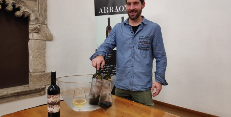 Iñigo Haughey, responsable de producció del Celler de Can Calopa | Pau Duran