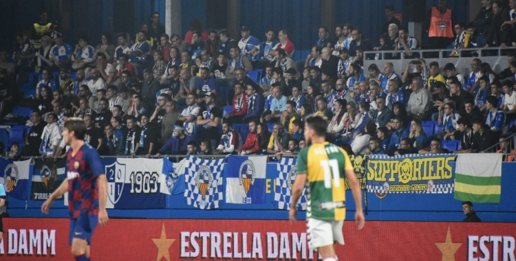 Nombrosa presència de seguidors arlequinats al Johan Cruyff | Críspulo Díaz