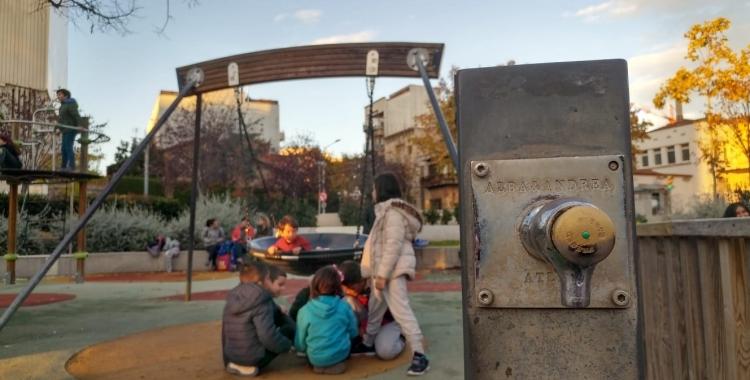 Àrea de jocs infantils de la Creu Alta/ Pere Gallifa
