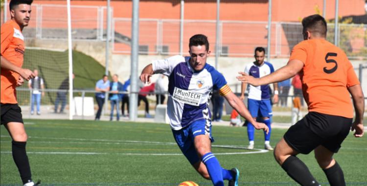 El Sabadell 'B' perd a casa contra la Sabadellenca i torna a la zona de descens | Fut Base CES