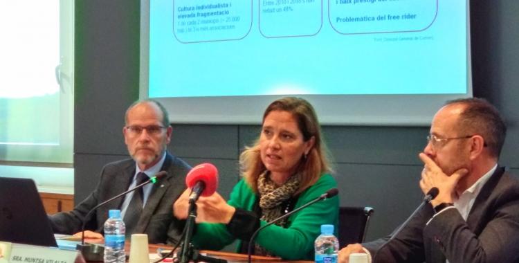 Ramon Alberich, Muntsa Vilalta i Josep M.Porta a la presentació de les APEU   Helena Molist