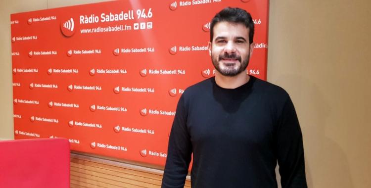 Oriol Lozano, als estudis de Ràdio Sabadell/ Raquel Garcia