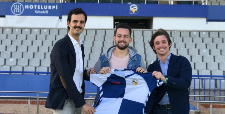 Antonio Romero, entre Bruno Batlle i Jose Manzanera, presentant l'acord de renovació | CES