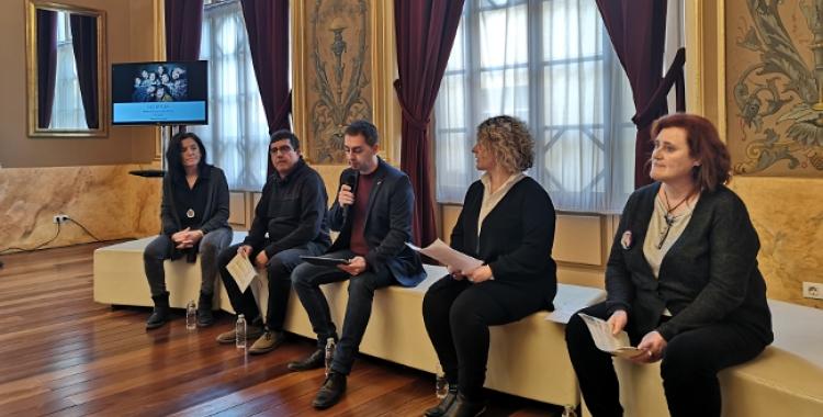 El regidor De la Rosa, les tècniques de Cultura i el responsable de l'Estruch, en roda de premsa/ Ajuntament