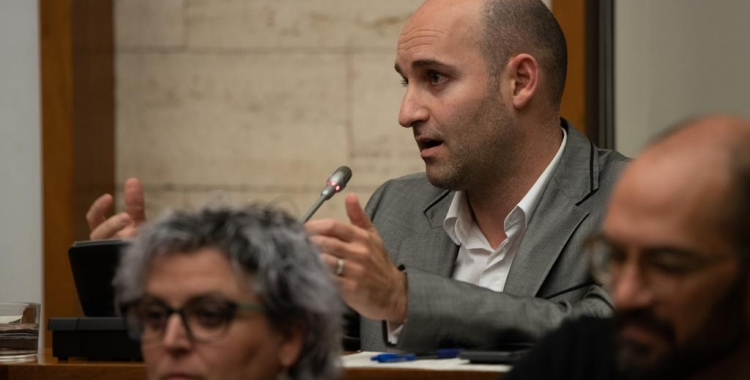 El portaveu Adrián Hernández (Cs) ha estat un dels proposants de la moció | Roger Benet