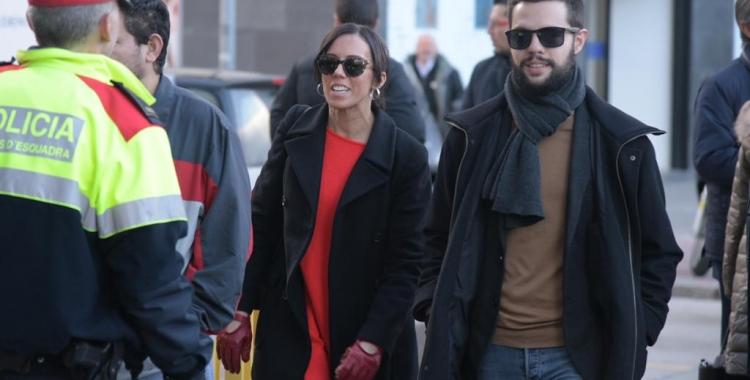 L'alcaldessa Marta Farrésha arribat acompanyada del regidor d'Acció Social Eloi Cortés | Roger Benet