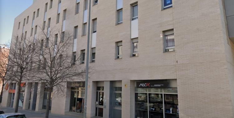 Exterior del bloc de pisos afectat/ Cedida