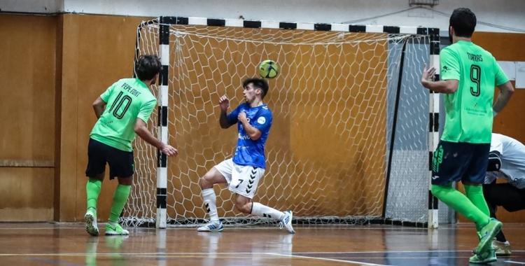 Pepe Font va ser l'autor de quatre dels cinc gols dels escolapis | FutsalPia