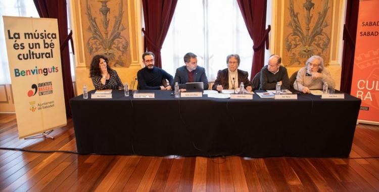 D'esquerra a dreta, Alba Castells, Enric Martínez-Castignani, Carles de la Rosa, Joana Soler, Joan Manau i Jordi Roca | Roger Benet