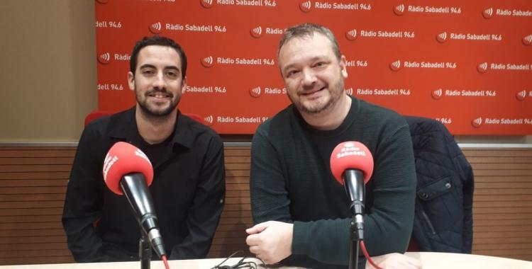 Xavi Pérez (dreta) i Eduard Solé, als estudis de Ràdio Sabadell/ Karen Madrid