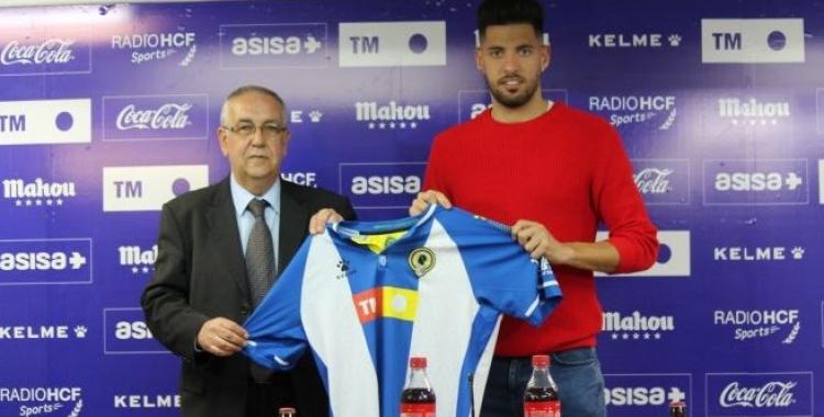 El nou president de l'Hércules, Quique Hernández, amb l'últim fitxatge, Sergio Jiménez   Hércules CF