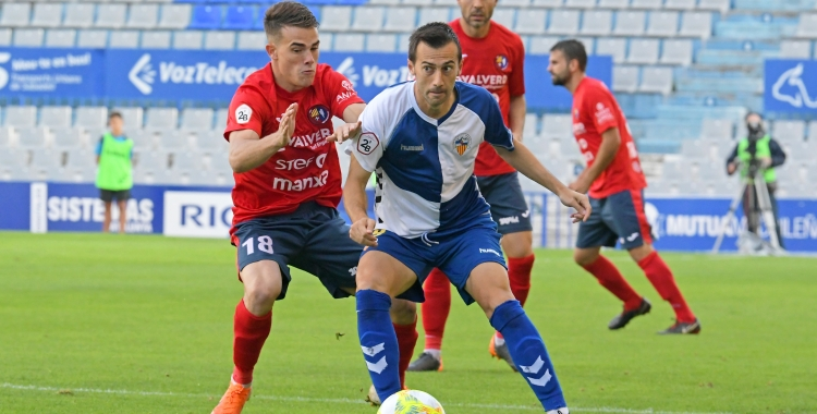 Manu Lanzarote busca una passada al Sabadell-Olot de la primera volta | Nuri Marguí (UEO)