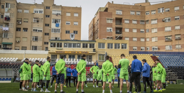 Albadalejo dirigint un entrenament dels escorpins | Orihuela CF