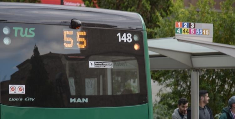 Imatge d'un autobús de la línia 55 la TUS | Roger Benet
