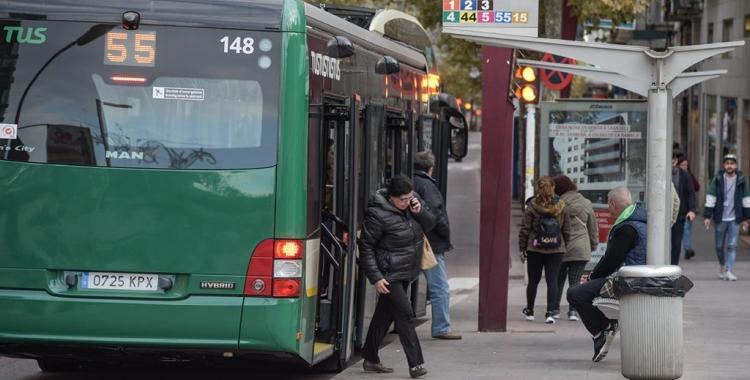 Aprovades les rebaixes en els abonaments dels busos urbans | Roger Benet