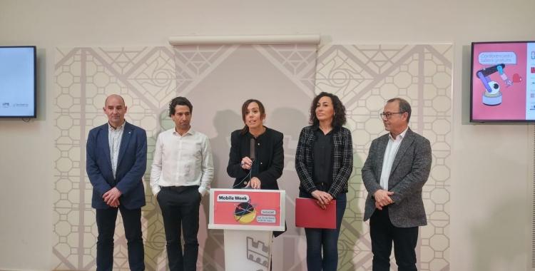 D'esquerra a dreta, Ramon Vilanova (UAB), Leo Torrecilla  (Cambra de Comerç), Marta Farrés (alcaldessa), Montse González (tinenta d'alcaldessa), Joan Martí (Taulí) | Ràdio Sabadell