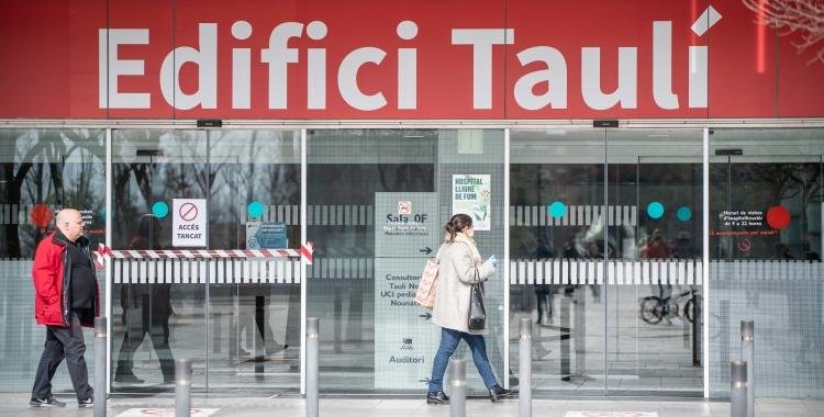 El nombre de pacients ingressats al Taulí ha baixat en prop de 300 menys en tres setmanes | Roger Benet