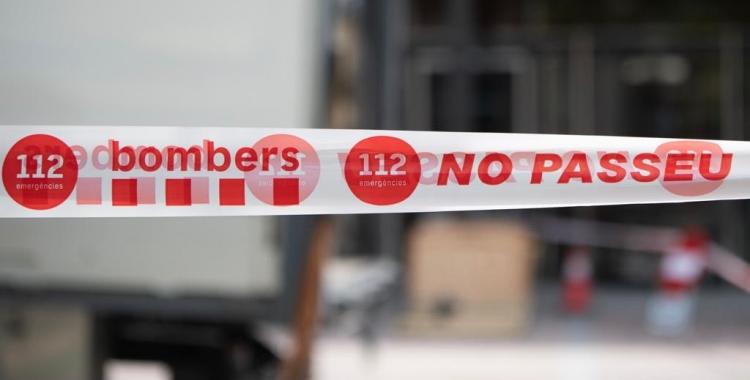Els Bombers han precintat l'immoble esfondrat a Covadonga | Roger Benet