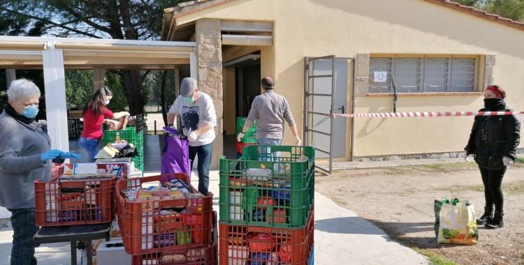 Càritas Diocesana de Terrassa ha fet els repartiments d'aliments garantint les mesures de seguretat   Càritas