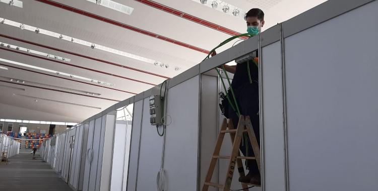Els operaris treballant aquest matí | Ràdio Sabadell