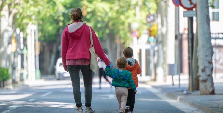 Dones amb fills i teletreballant: el grup de risc per desenvolupar depressió o ansietat, segons un estudi de la UAB   Roger Benet