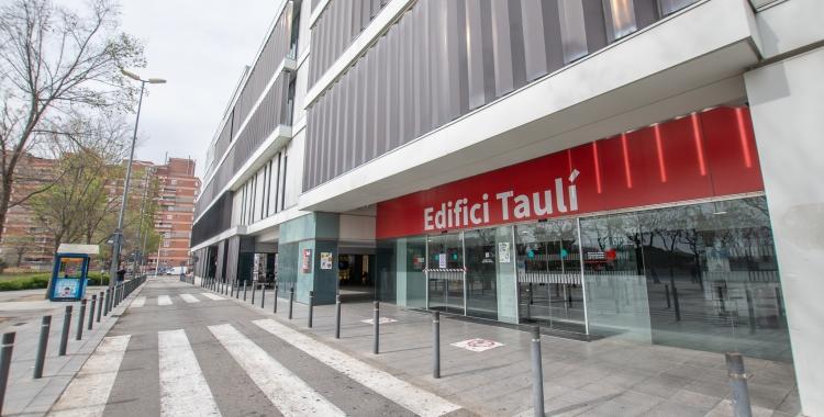 Una quarantena de persones són al Parc Taulí en ingrés hospitalari a causa de la Covid-19 | Roger Benet