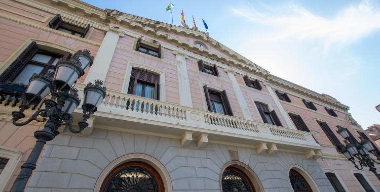 Ciutadans reclama instal·lar mampares de protecció als espais d'atenció al públic de l'Ajuntament   Roger Benet