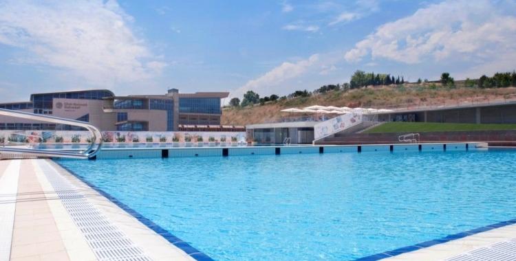 La piscina exterior de Can Llong seguirà tancada a partir de l'1 de juny | CNS