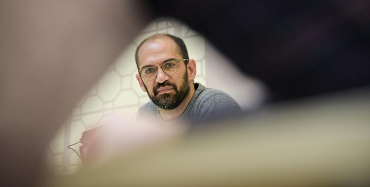 Maties Serracant, en una roda de premsa a l'Ajuntament quan era alcalde   Roger Benet