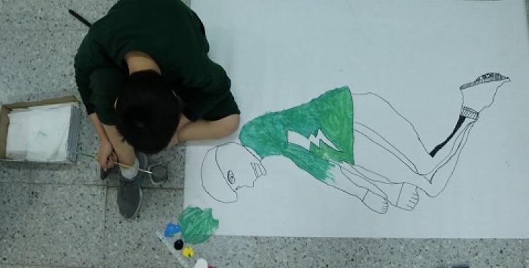 Un dels infants participants d'un taller dels Croma | UAB
