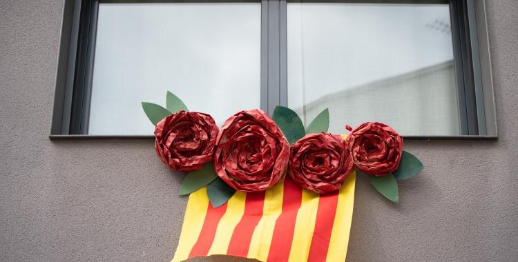 El 23 d'abril el Sant Jordi es va viure des dels balcons | Roger Benet