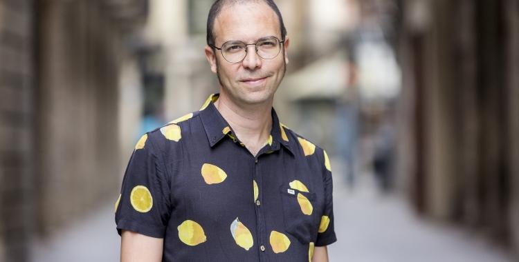 Albert Forns, guanyador del Premi BBVA Sant Joan per 'Abans de les cinc som a casa' | Cedida