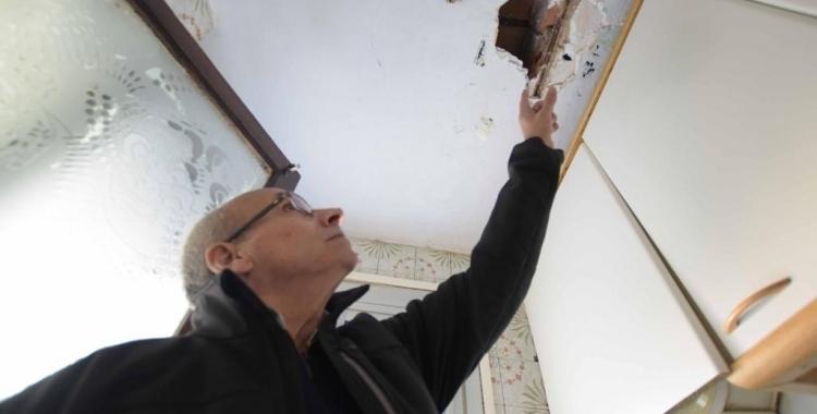 Imatge d'un dels pisos amb desperfectes que s'han de sotmetre a estudi | Arxiu