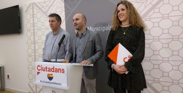 Imatge dels regidors Adrián Hernández, Laura Casado i José Luis Fernández | Roger Benet