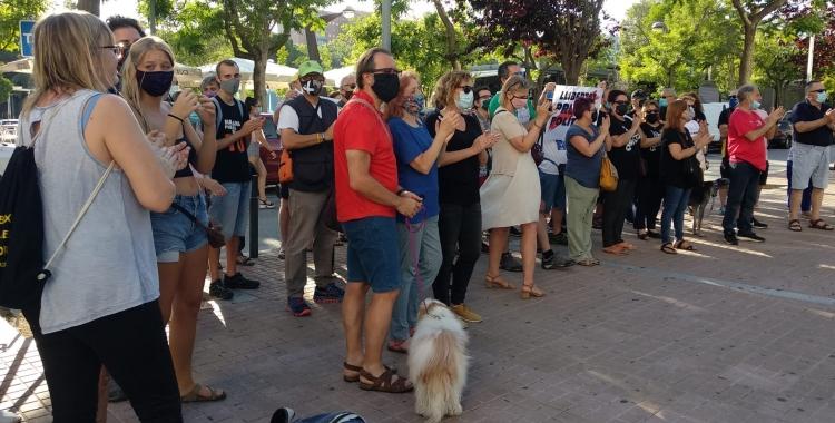 Una cinquantena de persones es manifesten en contra de les condemnes pel sabadellenc Elgio i per Pablo Hasel   Helena Molist