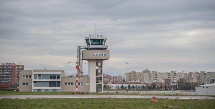 Torra de control de l'Aeroport de Sabadell/ Roger Benet