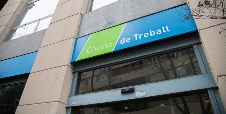 Exterior de l'oficina del SOC a Sabadell/ Roger Benet