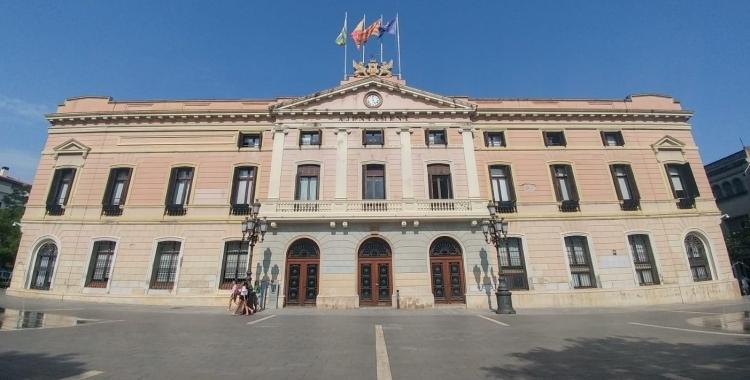 Exterior de l'Ajuntament de Sabadell/ Arxiu