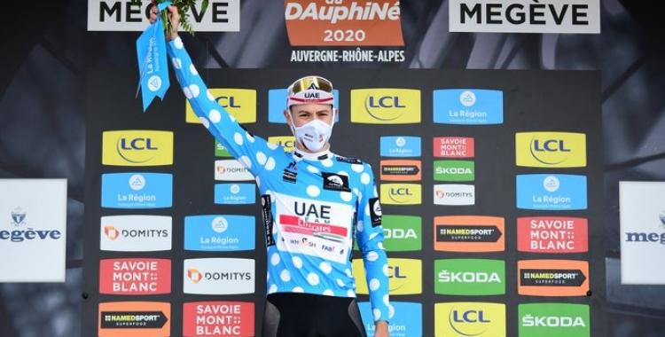 De la Cruz, enfundat amb el mallot de líder de muntanya | Dauphiné