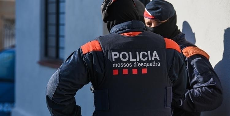 Detingut in fraganti l'autor de dos robatoris violents a l'Avinguda Barberà | Roger Benet