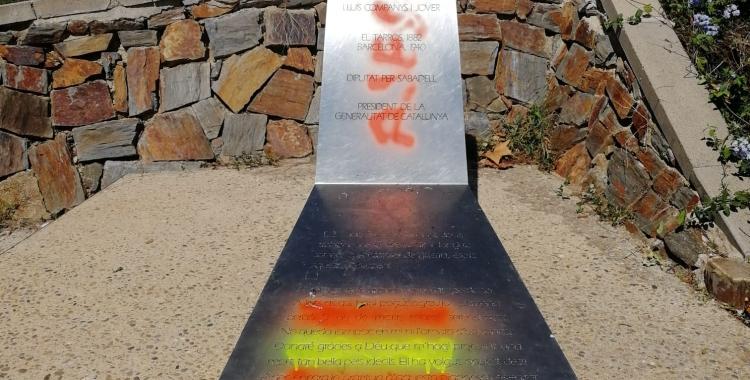 Imatge de l'ataca vandàlic al monument   ERC Sabadell